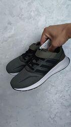 Нові легкі оригінальні кросівки adidas falcon cf розм. 33