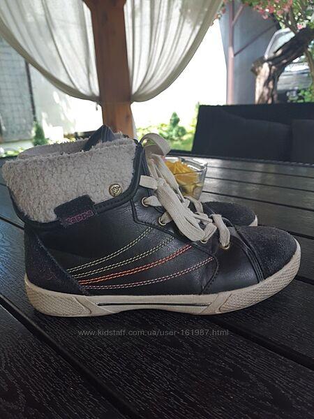 Фирменные демисезонные, утепленные ботинки Kappa р-р 35,22,5 см Германия