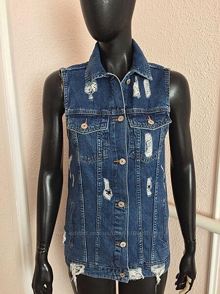 Новая джинсовая жилетка , джинсовка из италии