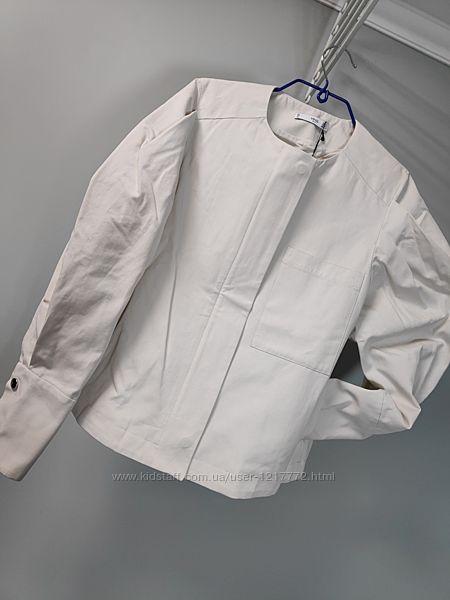 Женская куртка-ветровка с пышными рукавами MANGO