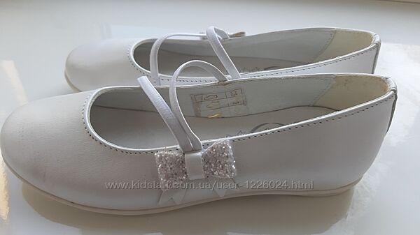 Туфли белые кожаные новые размер 30, стелька 19,5 PRIMIGI