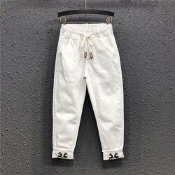 Стильные оригинальные белые штаны