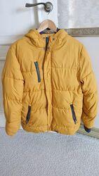 Продам теплую куртку Reserved.
