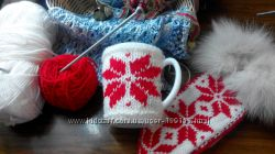 чашка с вязанной одежкой сувенир декор
