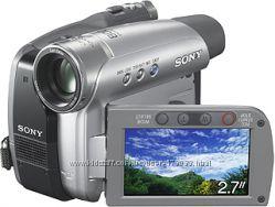 Видеокамера Sony  штатив