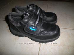 Новые детские кожаные ботинки Clarks 27р-р