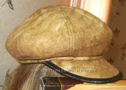 тёплая зимняя женская шапка