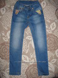 Очень классные  джинсы Gucci на маленьких модниц