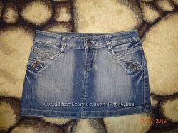 Гарненька джинсова спідничка