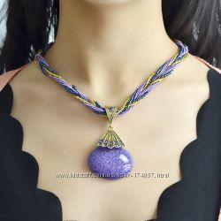Продаю красивые ожерелья разные цвета