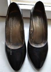 Туфли лакированые кожаные 36р