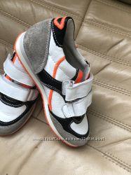 Шикарные полностью натуральные кроссовки Diesel  19, 4 см