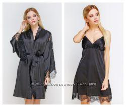 Черный халат с кружевом и красивым рукавом сорочка атласная