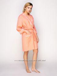 Махровый хлопковый халат с кружевом Serenade