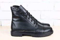 Ботинки демисезонные черные на шнурках