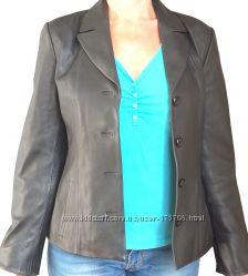 Продам женский кожаный пиджак