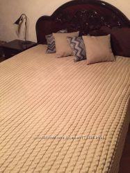 Вязаный Комплект покрывало с подушками.