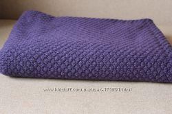 Фиолетовый вязаный плед.