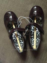 Продам новые туфли CHILDRENS PLACE 12 размер