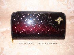 Лакированный кошелек-клатч Louis Vuitton