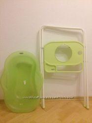 Ванночка Brevi с подставкой для новорожденных
