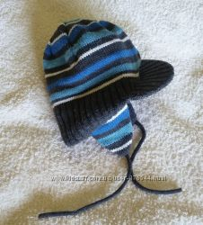 Зимняя шапка на флисе Matalan на 2-3 года на завязках с козырьком, теплая.
