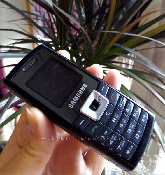 Кнопочный мобильный телефон Samsung SGH-C450