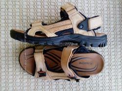 Летние кожаные сандалии.