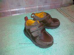 Продам деми ботиночки Clarks-22р-р14см