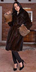 Шикарная норковая шуба пальто норка saga furs манжеты песец Италия хит