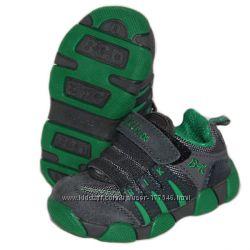 Детские кожанные кроссовки
