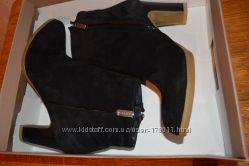 Новые замшевые деми  ботиночки SECRET ZONE Турция