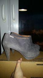 Очень стильные туфли 40р Diesel