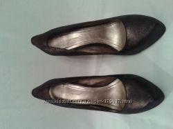Классные туфли  BCBGeneration, р. 39, 5 -40 кожаные