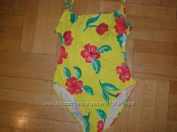 Фирменный слитный купальник с цветами, S-M