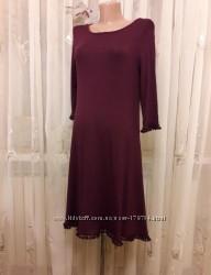 Бордовое платье свинг с расклешонной юбкой и бахромой Boohoo