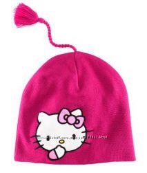 Яркая шапочка с любимой Kitty от H&M