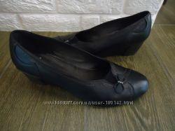 Туфли на танкетке кожа