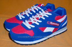 Легкие дышащие беговые кроссовки