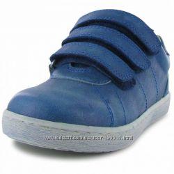 Качественные  кожаные кроссовки ботинки на  мальчика 21 р ст  13, 5 см