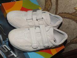 Шикарные замшевые туфли молочно- белого  Timar junior Италия  р 33, 34