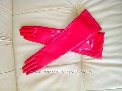 Лаковые длинные перчатки