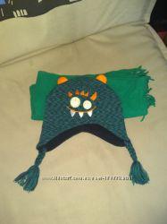 Яркая зимняя шапка шарфик