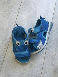 Босоножки сандали Акулы светящиеся размер 27
