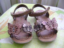 Босоножки бабочки  некст
