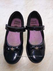 Туфли кожаные фирмы Clarks р. 11G стелька 17, 5см