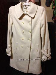 Новое белое пальто Naf-Naf 40рМ