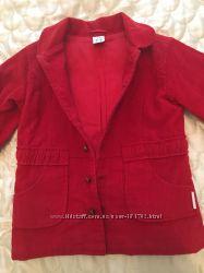 Продам красную ветровку-пиджак для девочки
