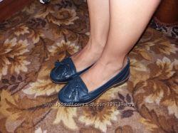 Кожанные  синие  туфли 35 размер