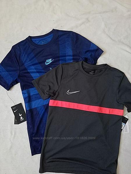 Футболочки Nike р. М